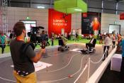 Mitglieder der EU Kommission beim Scooterspiel der Götting KG auf der IdeenExpo