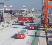 Toyota FTF mit Götting Spurführungskomponenten (Bild: Toyota Industries Corp.)