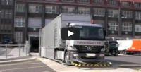Fahrerloser LKW mit Sattelauflieger